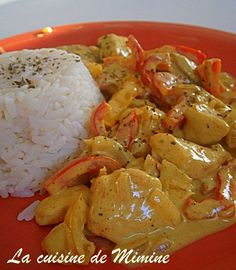 Curry chicken and coconut milk – Mimine's cuisine Meat Recipes, Indian Food Recipes, Asian Recipes, Chicken Recipes, Cooking Recipes, Healthy Recipes, Poulet Curry Coco, Coco Curry, Good Food
