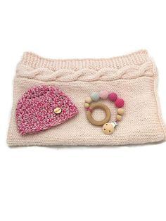 Crochet Baby Blanket / newbor set/ babyshower gift von WoolersPL auf Etsy