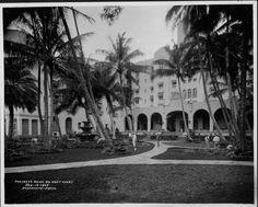 Hotels - Royal Hawaiian - 1927 Pink Palace, Hawaiian, Maine, Hotels, Mansions, House Styles, Manor Houses, Villas, Mansion