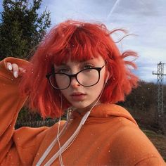 """What y'all think bout my hair?this is the first time my hair has been dyed a vibrant color From sunset orange+ arctic mist "" arcticfoxhaircolor orangehair afsunsetorange crueltyfree coloredhair hairbeauty 819303357190340002 Easy Hairstyles For Medium Hair, Pretty Hairstyles, Short Hairstyles, Haircuts, Short Hair Styles Easy, Medium Hair Styles, Arctic Fox Haarfarbe, Arctic Fox Hair Color, Aesthetic Hair"