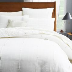 Love this white duvet for the guest bedroom, west elm Silver Stitch Pleat duvet!