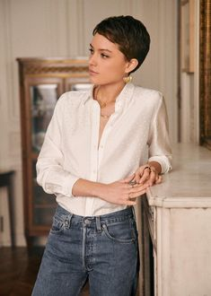 Haare Sézane - Ann Shirt What Makes For The Perfect Dating Formula? 27 Piece Hairstyles, Quick Weave Hairstyles, Tomboy Hairstyles, Pixie Hairstyles, Super Short Hair, Short Grey Hair, Short Hair Cuts, Hair Inspo, Hair Inspiration