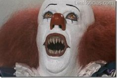 Its penny wise the clown from stephan kings it this doesnt belong to me it belonges to stephan king and whoever made the movie EVRYTHING FLOATS DOWN HER. Pennywise The Clown AKA IT Penny Wise Clown, John Wayne Gacy, Insane Clown, Creepy Clown, Creepy Stuff, Best Horror Movies, Scary Movies, Horror Films, Paranormal