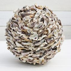 Oyster Shell Ball - Love, love, love it! Oyster Shell Crafts, Oyster Shells, Sea Shells, Sea Crafts, Home Crafts, Nature Crafts, Seashell Art, Seashell Crafts, Seashell Projects