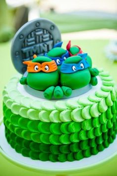Hostess with the Mostess® - Teenage Mutant Ninja Turtle Party - This is the best Ninja Turtle cake I have seen! Ninja Turtle Party, Ninja Turtles, Ninja Turtle Birthday Cake, Ninja Turtle Cakes, Ninja Turtle Cake Topper, Fancy Cakes, Cute Cakes, Pink Cakes, Tmnt Cake