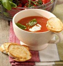 Klassisk tomatsuppe med hvidløgsbrød-Klassisk tomatsuppe med hvidløgsbrød