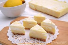 This Lemon Meringue Pie Fudge is like lemon meringue pie in fudge form! It's fudge with a crust! Easy, fast, no cook - this is the perfect lemon fudge recipe. Lemon Fudge Recipe, Lemon Recipes, Fudge Recipes, Candy Recipes, Dessert Recipes, Slice Recipe, Sweet Recipes, Recipe Magic, Pastries