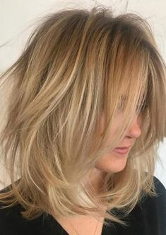 Here are the best hairstyles for older women with thin fine hair. From short graduated bob to layered haircuts, these 50 women look so stylish! Blonde Bob Hairstyles, Haircuts For Fine Hair, Lob Hairstyle, Cool Haircuts, Straight Hairstyles, Boho Hairstyles, Layered Haircuts, Hairstyles Thin Hair, Lob Haircut