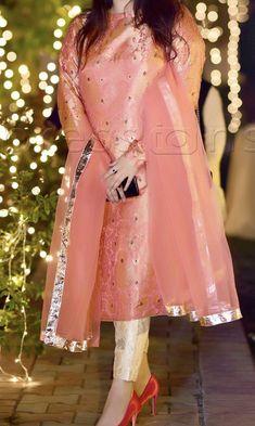 Pakistani Fancy Dresses, Pakistani Fashion Party Wear, Pakistani Wedding Outfits, Indian Fashion Dresses, Wedding Dresses For Girls, Pakistani Dress Design, Indian Designer Outfits, Party Wear Dresses, Designer Dresses