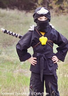 Scattered Thoughts of a Crafty Mom: Ninjago Ninja Costume for Halloween