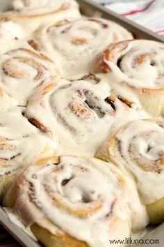 Favorite Cinnamon Roll Recipe on { lilluna.com }