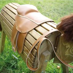 Horse Riding School, Wooden Horse, Hobby Horse, Leather Backpack, Woodworking, Deco, Rocking Horses, Country Lifestyle, Siri