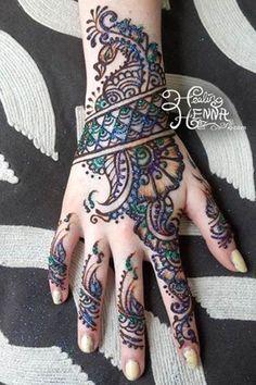 Elegant Glitter Henna For Hands