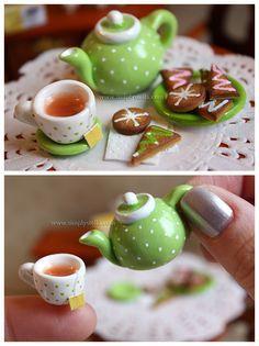 Tea Time miniatures by *thinkpastel on deviantART Polymer Clay Miniatures, Polymer Clay Charms, Polymer Clay Projects, Polymer Clay Creations, Clay Crafts, Dollhouse Miniatures, Miniature Crafts, Miniature Food, Miniature Dolls