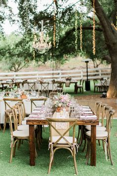 Photography: Koman Photography - komanphotography.com   Read More on SMP: http://www.stylemepretty.com/2015/11/27/al-fresco-saddlerock-ranch-wedding/