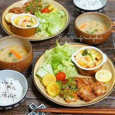 Kara age chicken, potato mochi, vegetable and tofu gratin, miso vegetable soup. Healthy Cooking, Healthy Eating, Cooking Recipes, Healthy Recipes, Plate Lunch, Food Gallery, Breakfast Lunch Dinner, Daily Meals, B Food