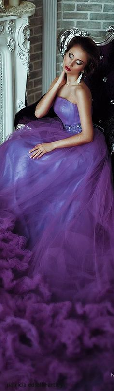 Lady in purple. Purple Love, Purple Lilac, All Things Purple, Shades Of Purple, Purple Amethyst, Periwinkle, Beauty And Fashion, Purple Fashion, Purple Gowns