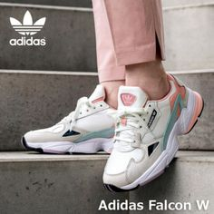 Sneakers Mode, Sneakers Fashion, Fashion Shoes, Shoes Sneakers, Kicks Shoes, Sneaker Outfits, Looks Adidas, Pastel Shoes, Vetements Clothing