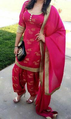 Beautiful Designer Salwar Suit with Heavy Dupatta For College Girls Indian Suits, Indian Attire, Indian Dresses, Indian Wear, Western Dresses, Indian Style, Punjabi Salwar Suits, Punjabi Dress, Salwar Kameez