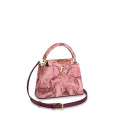 LOUIS VUITTON Official USA Website - Discover Louis Vuitton's luxury top handle bags for women, compact purses made with outstanding craftsmanship & high quality materials. Louis Vuitton Jewelry, Louis Vuitton Store, Louis Vuitton Handbags, Best Handbags, Fashion Handbags, Fashion Bags, Women's Fashion, My Bags, Purses And Bags