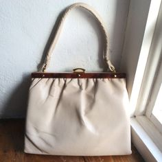 Vintage cream leather handbag. 70s 80s metal frame by coolclobber