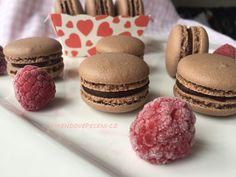 Čokoládové makronky s malinami - Víkendové pečení Macaroons, Pavlova, Gelato, Baked Goods, Tiramisu, Cheesecake, Food And Drink, Sweets, Candy