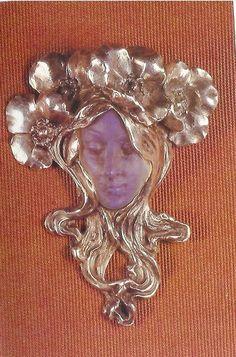 Art Nouveau Cast Glass and Silver Maiden Brooch by René-Jules Lalique, Paris Bijoux Art Nouveau, Art Nouveau Jewelry, Jewelry Art, Vintage Jewelry, Fine Jewelry, Jewelry Design, Design Art Nouveau, Lalique Jewelry, Belle Epoque