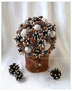 Hand made by Diana Unique Christmas Ornaments, Christmas Art, Christmas Wreaths, Christmas Decorations, Xmas, Pine Cone Decorations, Memory Pillows, Pine Cones, Diy Projects