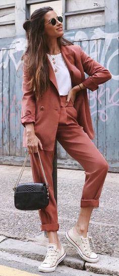 fall office style perfection / suit + bag + white top + converse