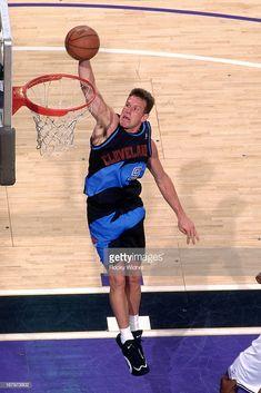 Basketball Photos, College Basketball, Nba Stars, Team Uniforms, Wnba, Slam Dunk, Nba Players, Beast Mode, 2000s