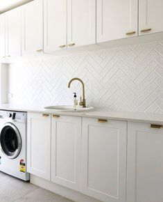 We love how crisp and clean this space is! has used our Macaroon doors to create this class act! Modern Laundry Rooms, Laundry In Bathroom, Kitchen Room Design, Modern Kitchen Design, Laundry Room Inspiration, Home Decor Inspiration, Laundry Room Remodel, Kitchen Remodel, Kitchen Reno