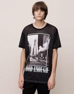 Pull&Bear - homme - t-shirts - t-shirt print manches courtes - noir - Slogan Tshirt, Polo T Shirts, Shirt Print, Pull & Bear, Pull And Bear Homme, Aesthetic T Shirts, Stylish Boys, Urban Outfits, Streetwear Fashion