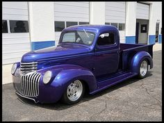 Can you see the ghost flames on this 1946 Chevrolet Custom Pickup HP, 6 Deuces 1946 Chevy Truck, Classic Chevy Trucks, Chevrolet Trucks, Classic Cars, Cool Trucks, Cool Cars, Old Chevy Pickups, Little Truck, Pickup Trucks