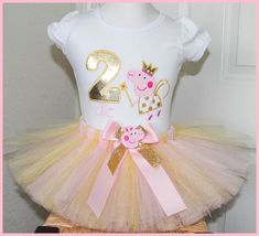 Pink and Gold Fairy Peppa Pig tutu Birthday outfit Personalized with name Peppa Pig Birthday Outfit, Peppa Pig Outfit, Baby Girl Birthday, Birthday Tutu, Birthday Ideas, Baptism Party Decorations, Party Themes, Cumple Peppa Pig, Pig Party