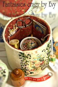 Petite cousette brodée Fantaisies Crazy by Evy: Tea-time de brodeuse/ Tea-time of embroiderer