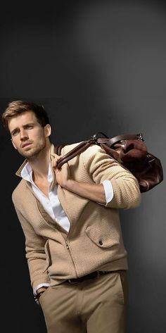 Andrew Cooper Models Limited Edition Styles from Massimo Dutti Fall 2014 Avenue Collection image Massimo Dutti Fall Winter 2014 NYC Ave Collection 015 Fashion Moda, Look Fashion, Fashion Outfits, Mens Fashion, Fashion Menswear, Looks Cool, Men Looks, Stylish Men, Men Casual