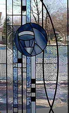 In the Spirit of Charles Rennie Macintosh - Vinery Studio Los mejores vinos del mundo. Best wines of the world. Stained Glass Suncatchers, Stained Glass Designs, Stained Glass Projects, Stained Glass Patterns, Stained Glass Quilt, Stained Glass Panels, Leaded Glass, Mosaic Glass, Glasgow