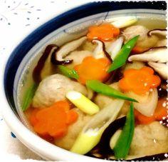 鶏挽肉に味噌、生姜を入れて風味をつけるのがポイント♪ 野菜はその時によって白菜や青菜などあるものでどうぞ!
