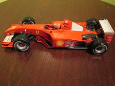FERRARI F 2001  HOT WHEELS MATTEL  1:18