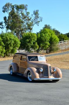 '47 Diamond T Woodie.