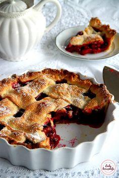 Tarta ze śliwkami z dużą ilością nadzienia - Lady housewife Polish Desserts, Polish Recipes, Pie Recipes, Fall Recipes, Sweet Recipes, Dessert Recipes, Cooking Recipes, Delicious Desserts, Yummy Food