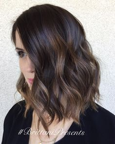 """Hot chocolate #lobhaircut #balayage #texture #lorealprofessionnel #brittanipresents #hair #hairstylist Train your weakness """