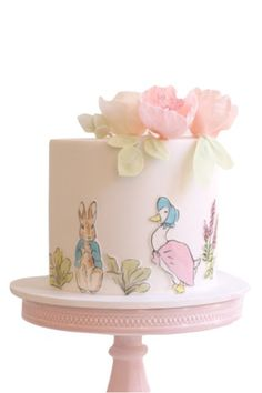 Ƹ̴Ӂ̴Ʒ Sweet Ƹ̴Ӂ̴Ʒ Little Cakes - peter rabbit by hello naomi Peter Rabbit Cake, Peter Rabbit Birthday, Peter Rabbit Party, Peter Rabbit Nursery, Idee Baby Shower, Baby Shower Cakes, Beatrix Potter Cake, Bunny Party, 1st Birthday Cakes