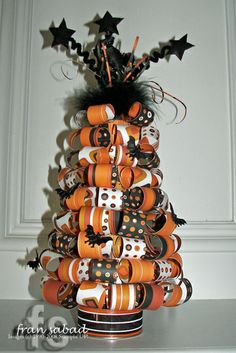 Paper Halloween Tree but think it would look good done as a christmas tree