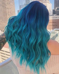 ombre haar 41 Bold and Beautiful Blue Ombre Hair Color Ideas Pretty Hair Color, Beautiful Hair Color, Hair Color Purple, Hair Dye Colors, Blue Ombre, Blue Green Hair, Teal Blue, Dark Blue, Unique Hair Color