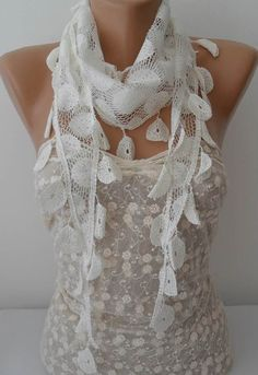 ON SALE White Scarf Cowl Scarf Womens Fashion by JasmineAccessory, $9.90