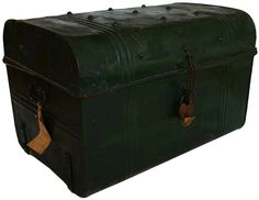 Old trunk / luggage by http://vonliving.nl/