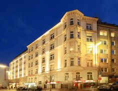 Novum Hotel Eleazar City Center, Hamburg, Germany  --  Get the Best Rates and Booking Options here >> http://www.lowestroomrates.com/avail/hotels/Germany/Hamburg/Novum-Hotel-Eleazar-City-Center.html?m=p   With a stay at Novum Hotel Eleazar City Center, you'll be centrally located in Hamburg, steps from Schauspielhaus and Ohnsorg Theater. This family-friendly hotel is within close proximity of Arts and Crafts Museum and Huhnerposten Events Location. #NovumHotel #Eleazar #dasSmolka…