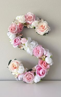 Trendy ideas baby shower gifts for girls diy floral letters Shabby Chic Cakes, Shabby Chic Decor, Flower Nursery, Flower Wall, Bridal Shower Decorations, Wedding Decorations, Decor Wedding, Wedding Reception, Birthday Decorations