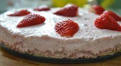 Nepečený jahodový dort - bezlepkový